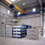 Finished product warehouse, dock levellers